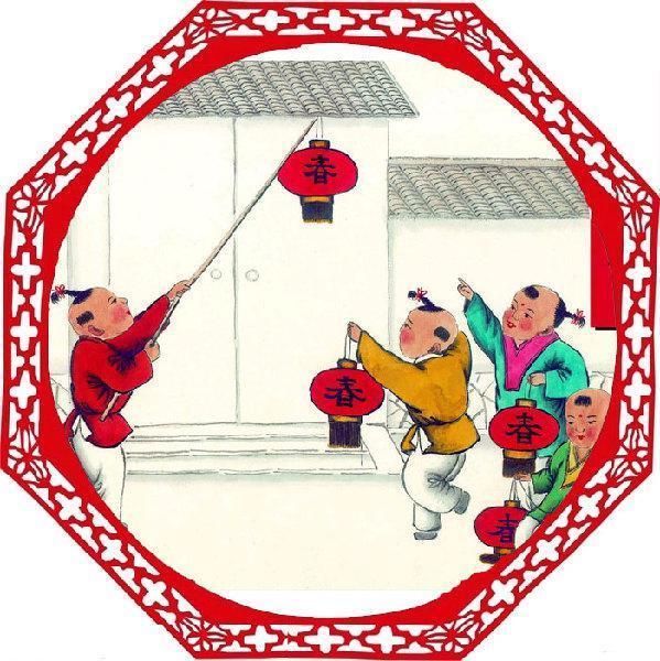 小年并非专指一个节日,由于各地风俗,被称为小年的节日也不尽相同。北方大部分地区称腊月二十三或腊月二十四的祭灶节为小年。中国国内也有不少地区称正月十五的元宵节为小年,冬至也有地方叫作小年。小年也意味着人们开始准备年货,准备干干净净过个好年,表示新年要有新气象。
