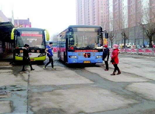 2路公交车将调至3路,2路线路将向北延长.本报记者 杨擎 摄