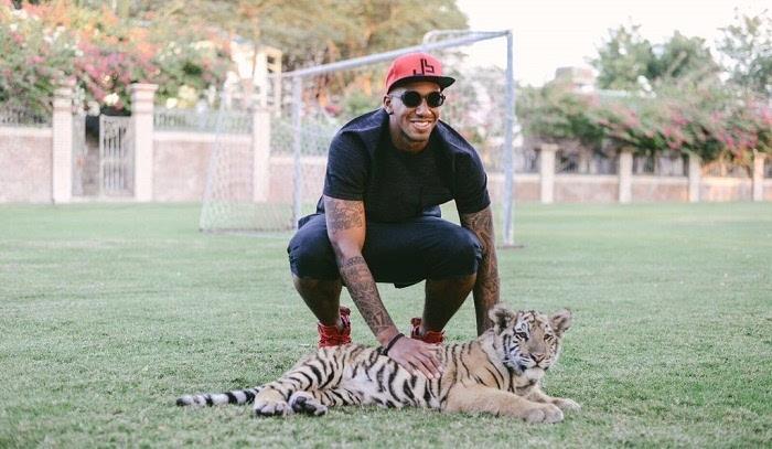 放松心情 小博阿滕参观迪拜动物园