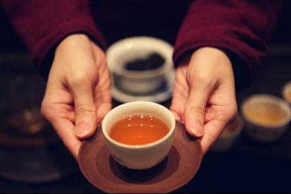 奉茶-水温多少度的时候人会觉得烫,多少度会对身体有伤害 洗热水澡