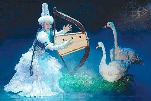 哈萨克民族歌舞《阿嘎加依》片段,天鹅在哈萨克族人们心目中是爱情与