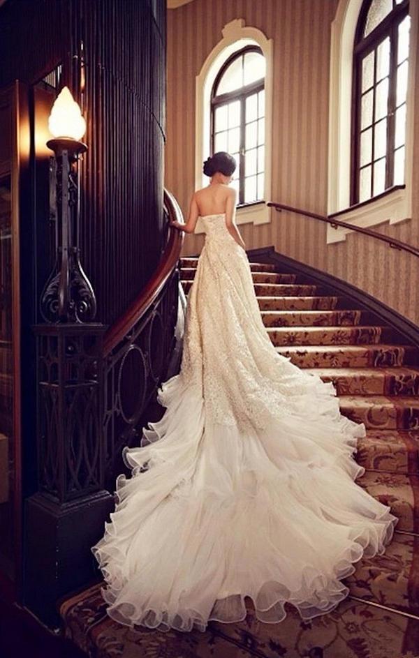 新娘清新意境婚纱礼服唯美图片