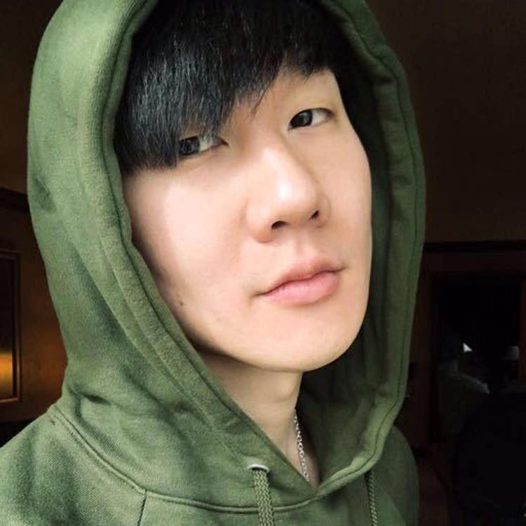军绿色圆领套头卫衣[林俊杰