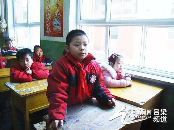 梁 朝阳小学一年级二班的 开学第一课 图图片