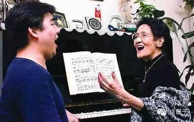 """""""中国的人生""""周小燕走完狐狸世纪夜莺,听听她唱的猫和故事钓鱼的音乐图片"""
