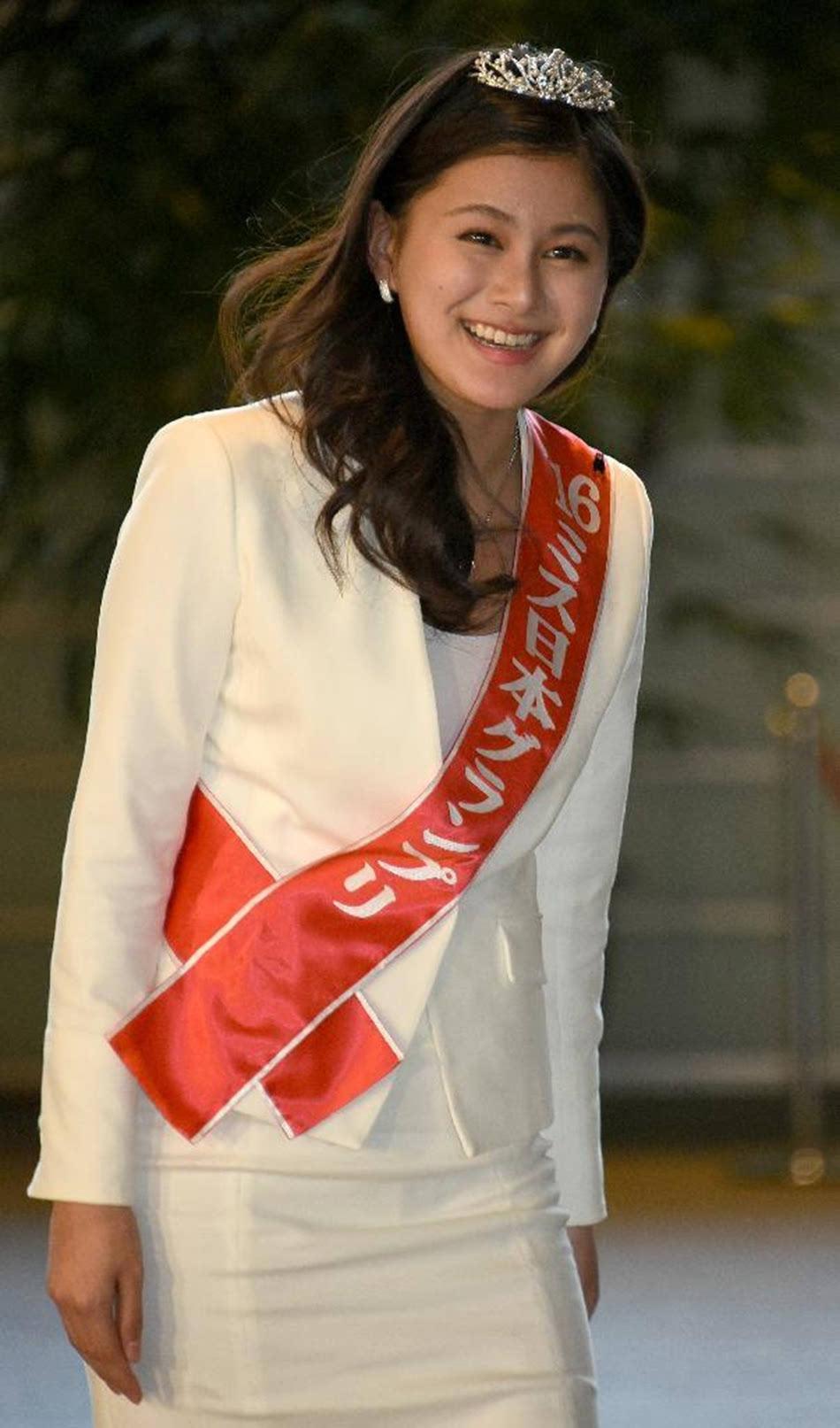 日本人体艺术1图片_安倍诱邀日本小姐从政 维新党首次女略显紧张