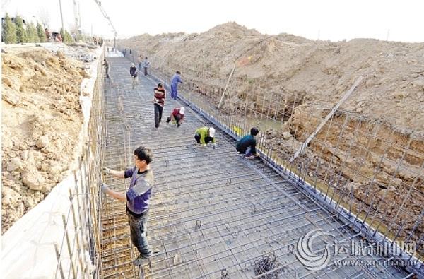 蒙华铁路河津段建设工地上图片