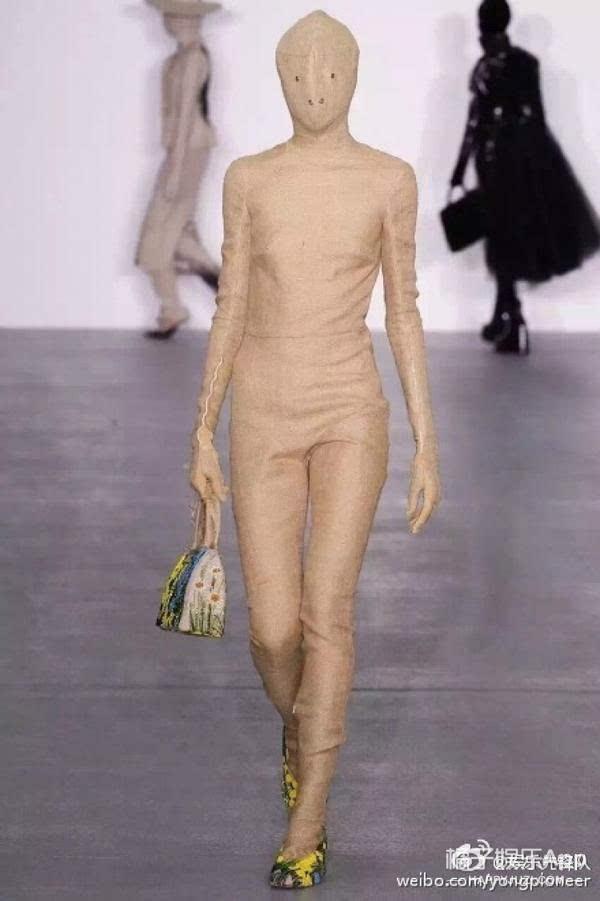 ▼日本一家商场的人形模特,可以了,够逼真了.