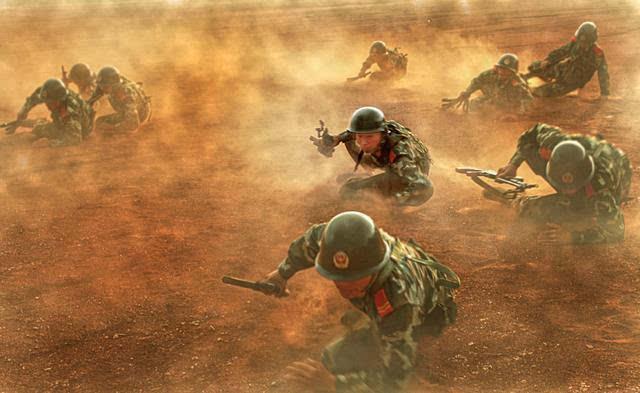 血与泪的军训手绘图片