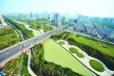 """据安徽商报报道 4月1日,合肥植物园来了一群外国人,他们是参加""""看合肥"""