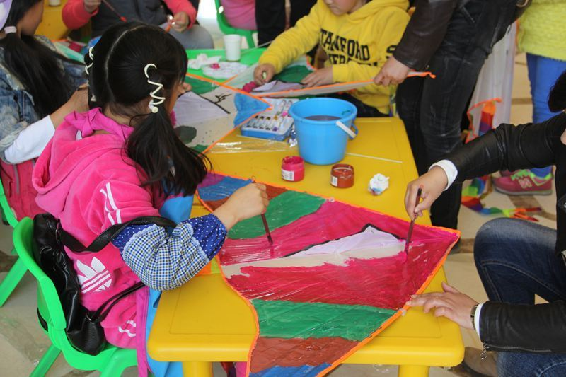 金屋秦皇半岛儿童彩绘diy活动 画出不一样的童年