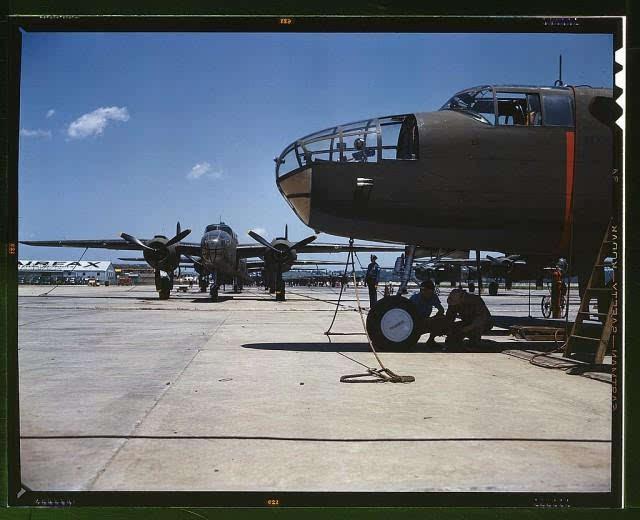 美国会图书馆发布二战飞机彩色照片
