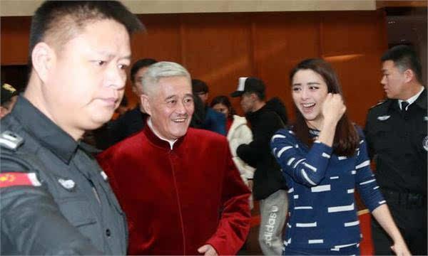 59岁赵本山近照曝光 曾后悔买私人飞机要把30亿家产