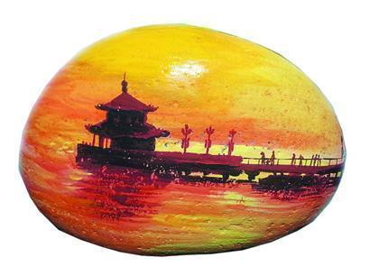 精美的叶片景点,手绘的景点地图,原创的自媒体旅游信息……在青岛