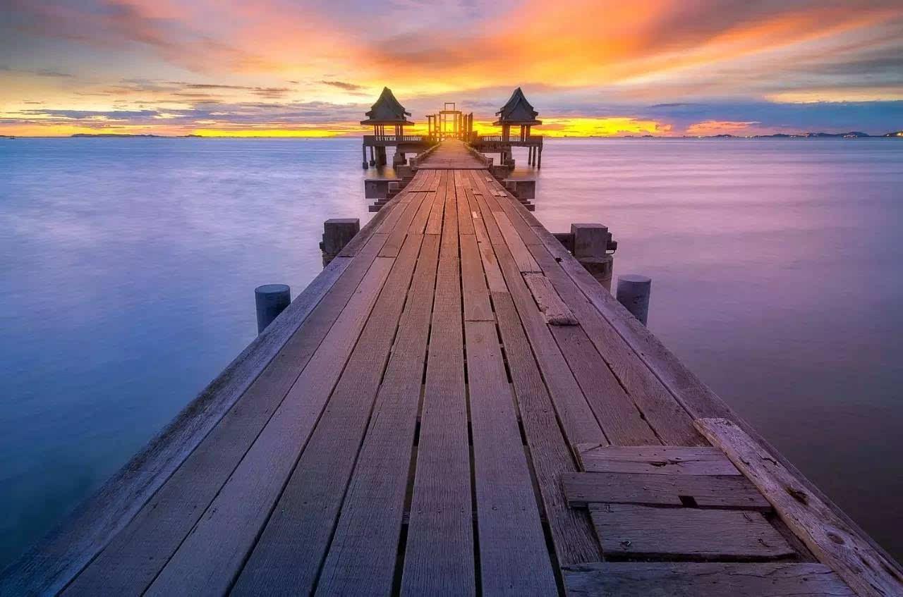 清幽苏梅岛位于泰国湾,是泰国第三大岛.