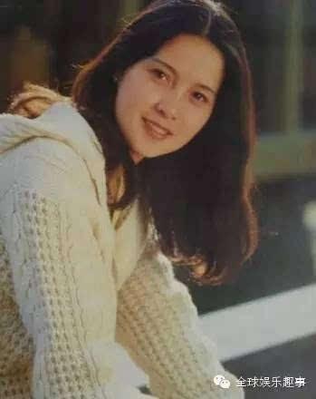 张伟欣因主演电影《飞来的仙鹤》,《乡音》等声名鹊起,还曾获1986年第
