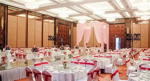 地址:南岸区南滨路26号 酒店宴会厅能同时容纳300余人.图片