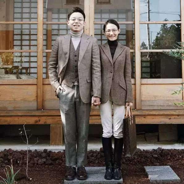 近,有一对来自韩国济州的夫妇,在ins上火的不得了.倒不是因为他