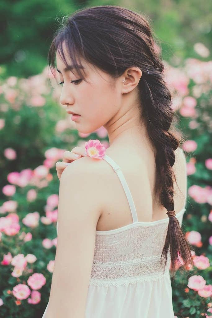 清纯马尾辫外套美女美女热裤写真-搜狐吊带蕾丝睡衣内衣图片