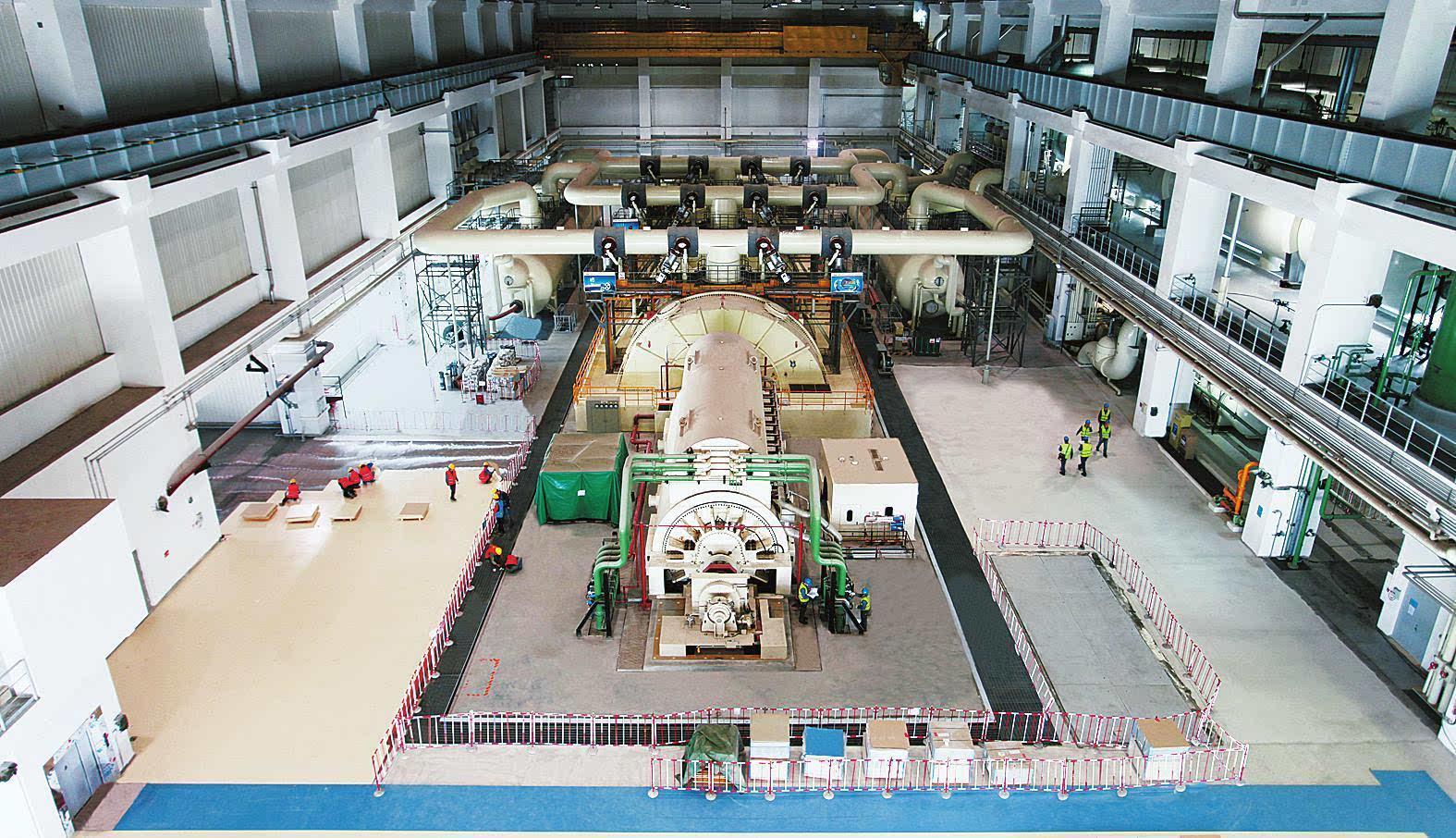 2015年12月23日2时56分,山东海阳核电项目一期工程1号机组凝汽器抽