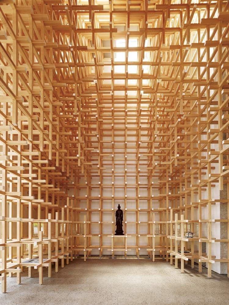 裸露的结构具有鲜明的韵律感,让建筑的空间具有丰富的层次和趣味性.