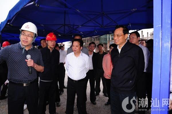 陈良贤察看揭惠高速公路潮南两英上坝路段施工现场