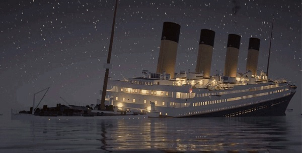 在事件发生的 104 年后,有游戏商推出了即时模拟的泰坦尼克号沉没影片图片