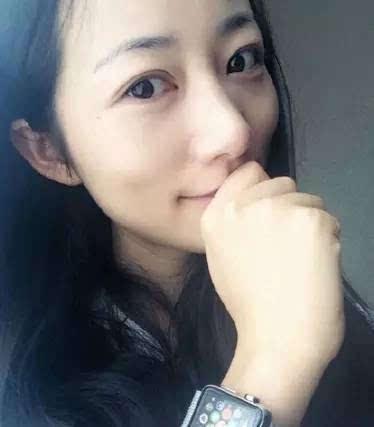 冯小刚晒了angelababy的素颜照!网上都疯了,这女的到底!是!谁!