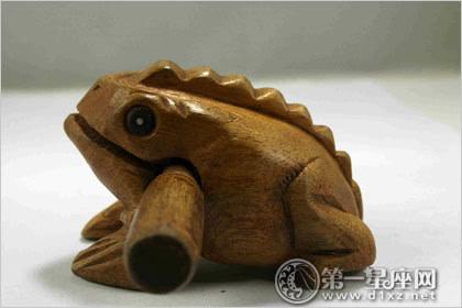 风水招财之招财蛙怎么分公母图片