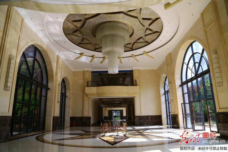 重庆大学城装修风格似五星级酒店一高校教学楼