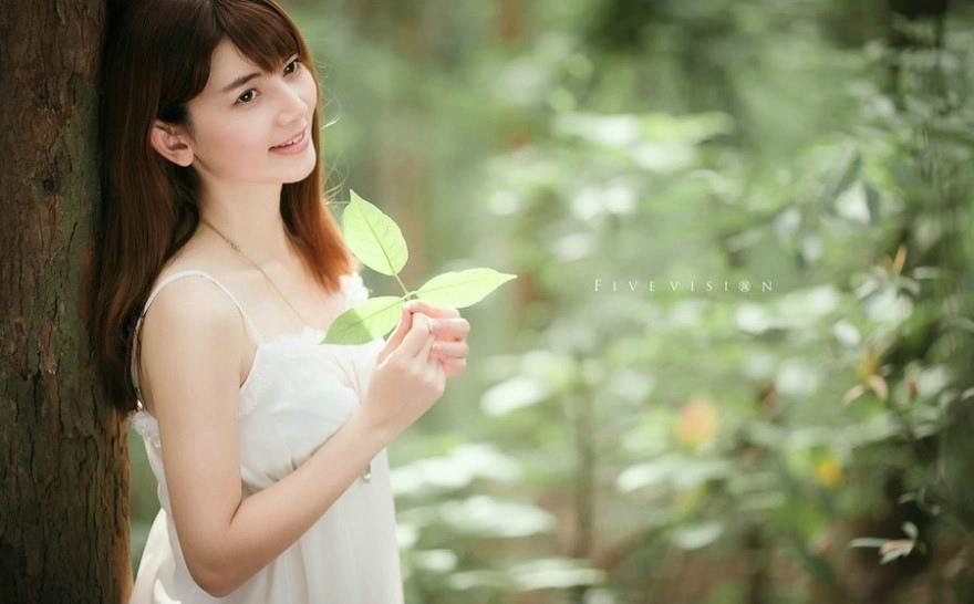 清新靓丽的森系美女感受大自然的唯美气息图片