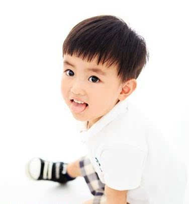 12款最赞最受妈妈和小朋友们推荐的男孩酷帅时尚发型!图片