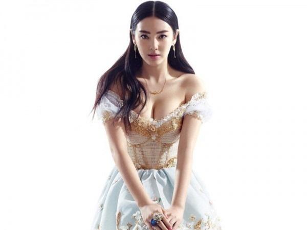 在电影 美人鱼 李若兰扮演者张雨绮个人资料 照片家庭背景