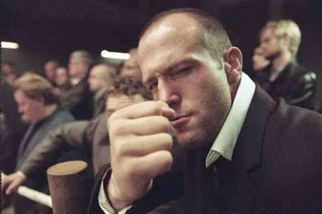 """莱特里尔便决定将""""地下送货员""""弗兰克·马丁的角色交给杰森·斯坦森图片"""