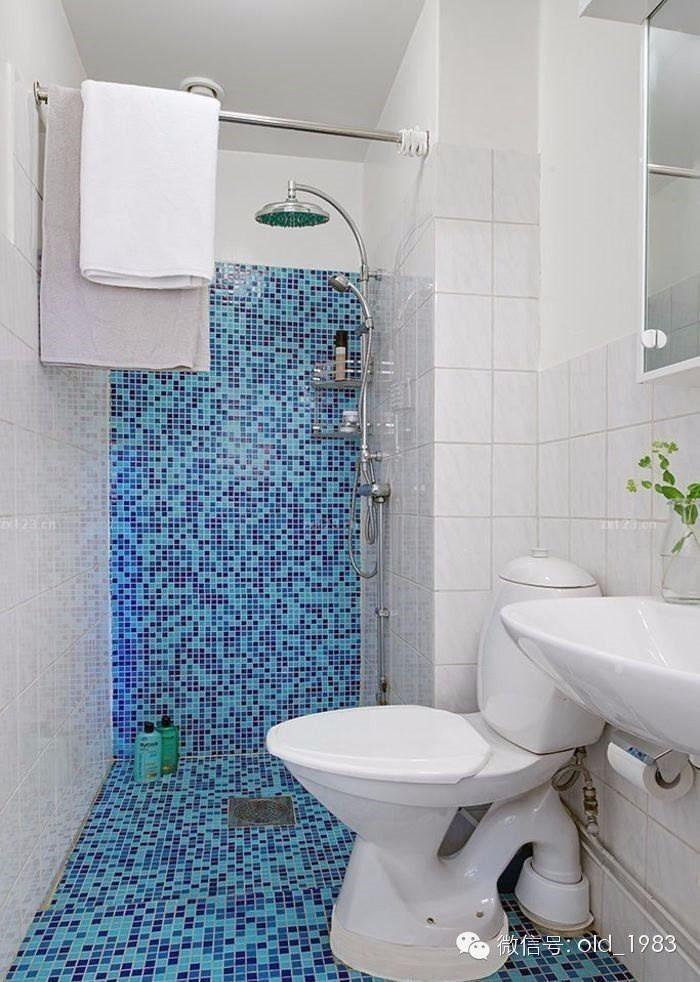 随着种类和款式的多变,马赛克逐渐运用到客厅,玄关等空间作为点缀装饰