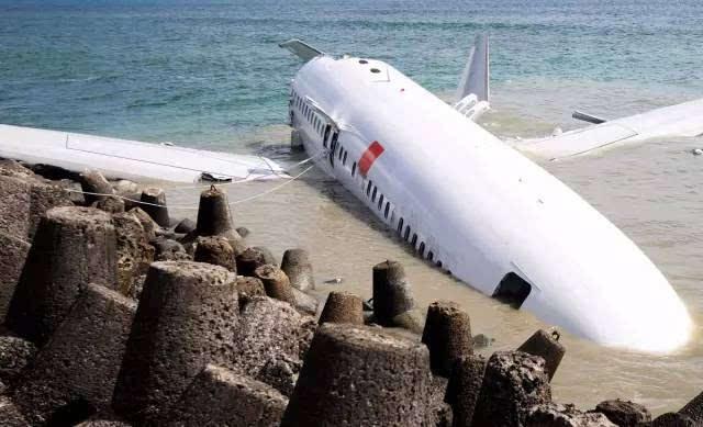 一架失事的波音737飞机