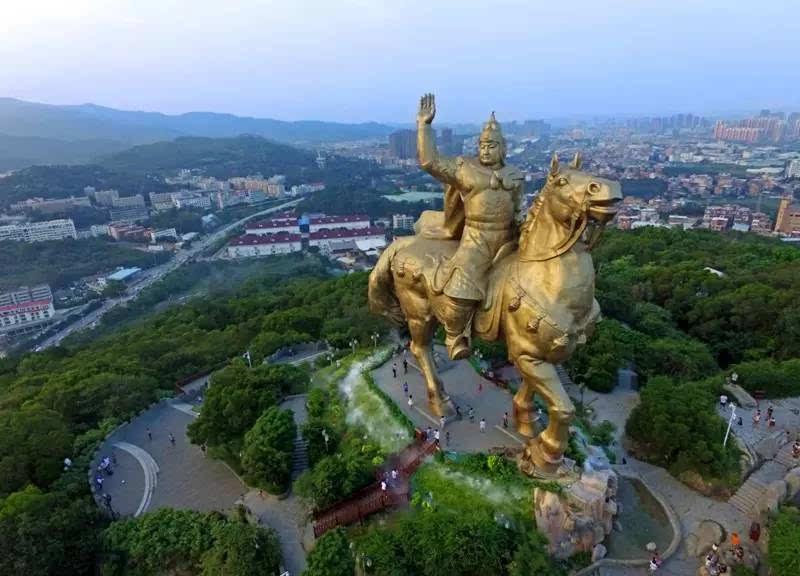 郑成功骑马雕像