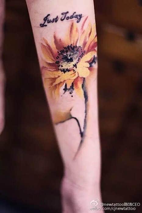 丹青纹身师陈洁 她把中式水墨刺进了皮肤里 简直不能再美了