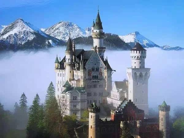 是欧式仿哥特式风格城堡