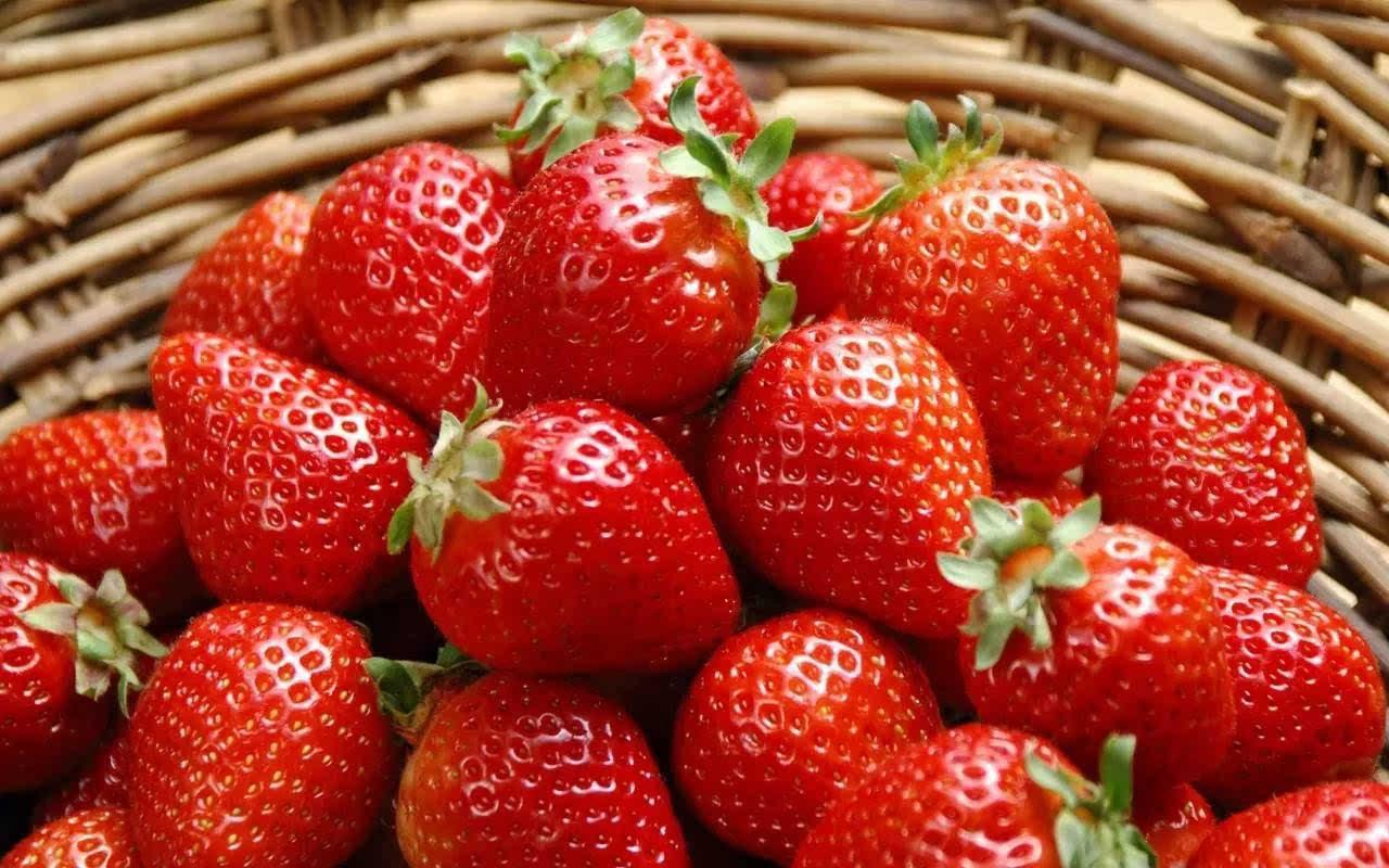 这样做,就能把春天装进这罐酸甜的草莓酱里!