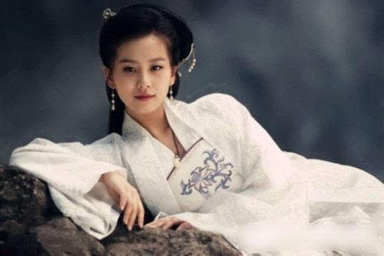 女星绝美古装画册   刘诗诗《大漠谣》   目前为止,刘诗诗所出演的电