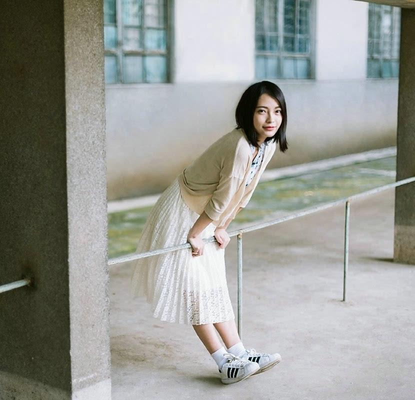 森系短发美女户外自然舒适随性写真(1)图片