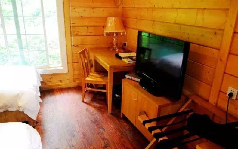 奇幻森林里的小木屋丨湖北这片未开发的原始森林居然