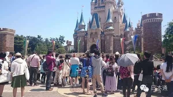 婚纱,马车和超梦幻的城堡,在迪斯尼结婚是啥感觉