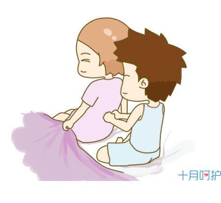 当爸爸给妈妈按摩腰背腿脚,在妈妈弯不下腰的时候会给妈妈洗脚,叮嘱