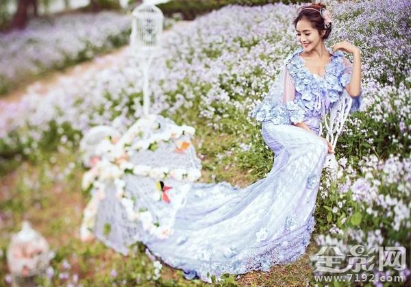 喜欢创意,拍摄婚纱照自然也追求与众不同的感觉,当你选择婚纱照外景地图片