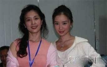 我插了妈妈的逼_除了惊艳的刘诗诗妈妈,其他女星妈妈也都大美女,这是