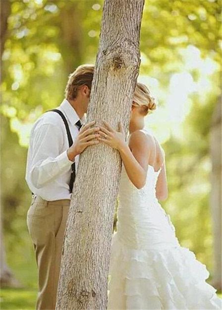 浪漫创意的婚纱照亲吻姿势图片