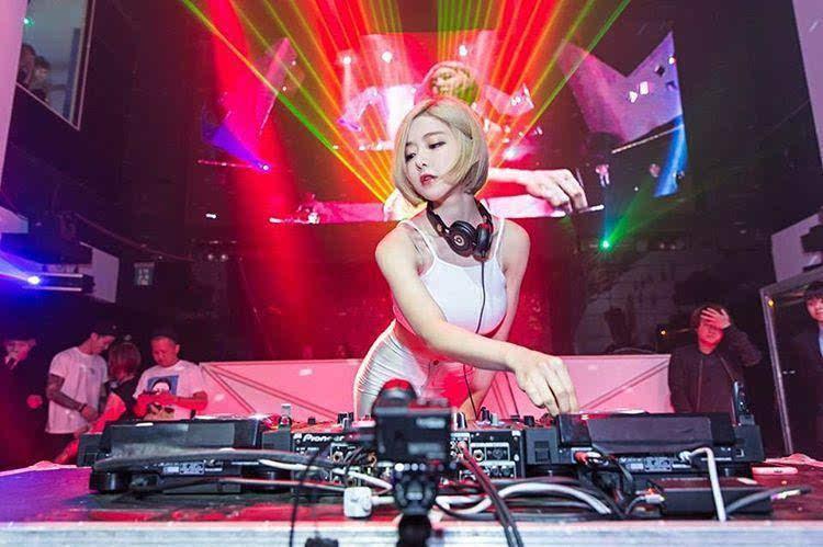 2019欧美dj排行榜首位_2019年全球百大DJ排行榜