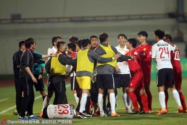 上海嘉定城发对判罚不满